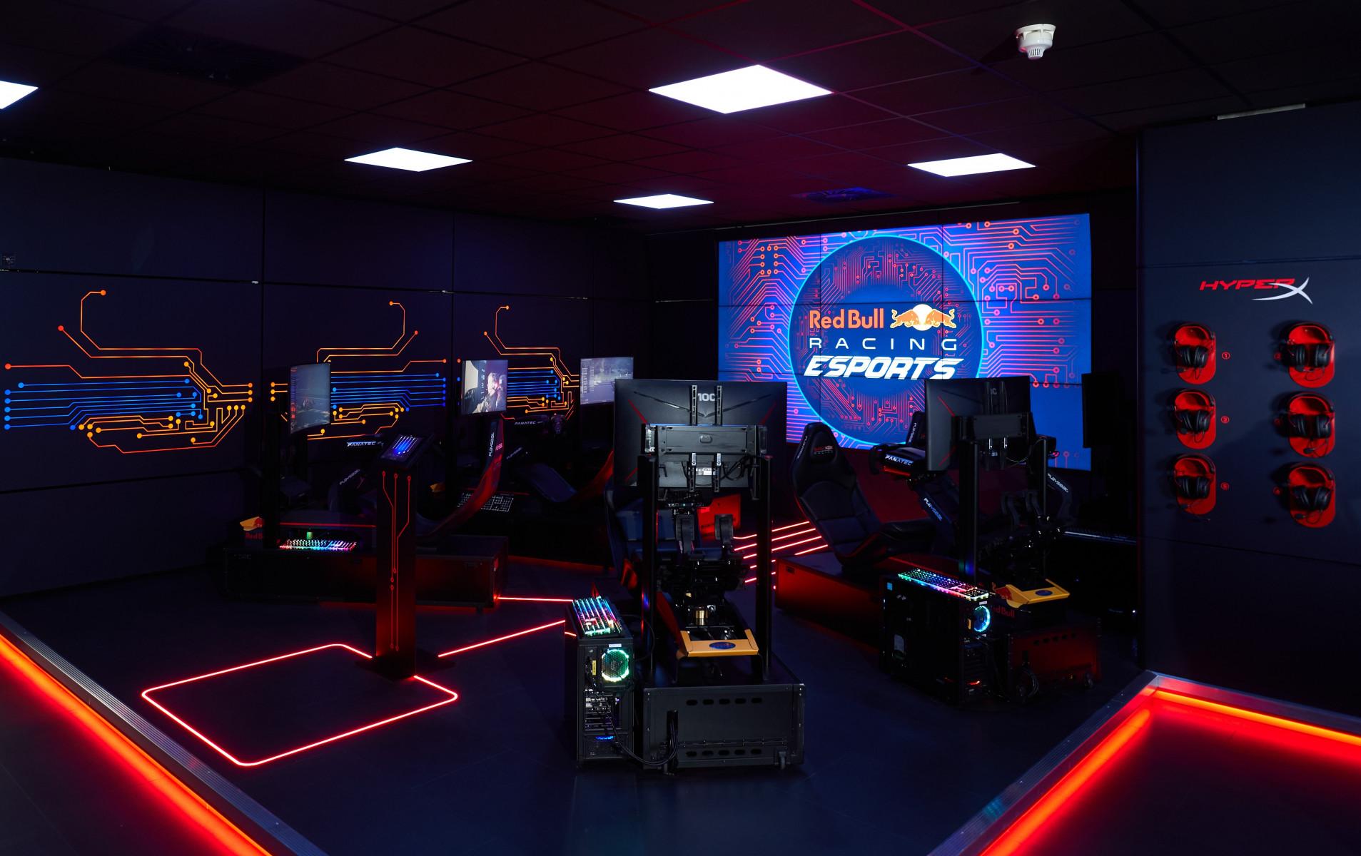 Red Bull Racing Esports x HyperX