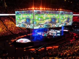 League of Legends Huya media rights