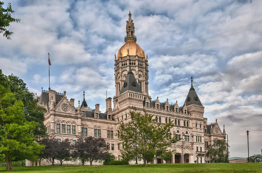 Connecticut sports betting industry permits esports wagering